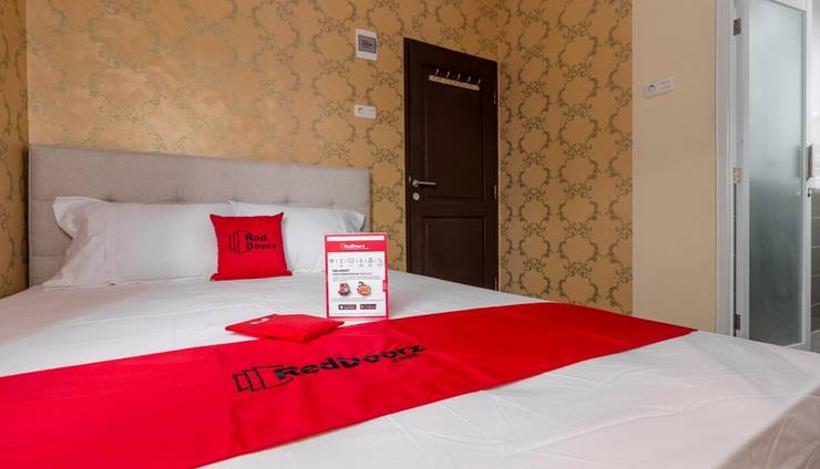 Reddoorz Plus @ Cipete Damai Jakarta -