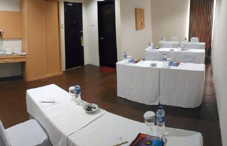 Tinggal Standard Sosrowijayan Malioboro Jogja - Ruang makan