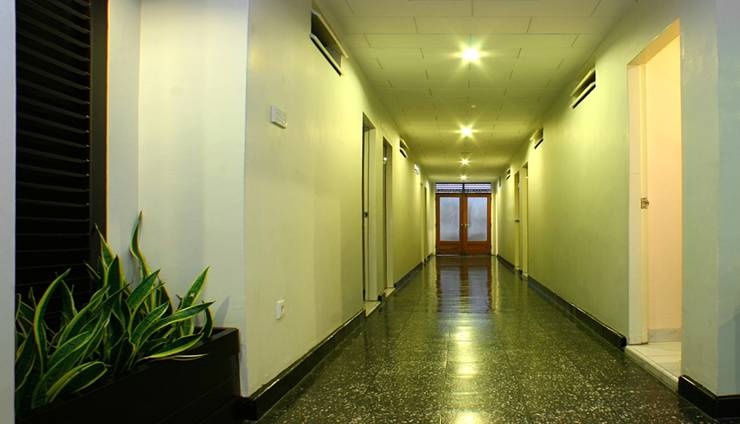 Hotel Hangtuah Padang - lorong