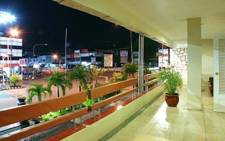 Hotel Hangtuah Padang - lobi 3