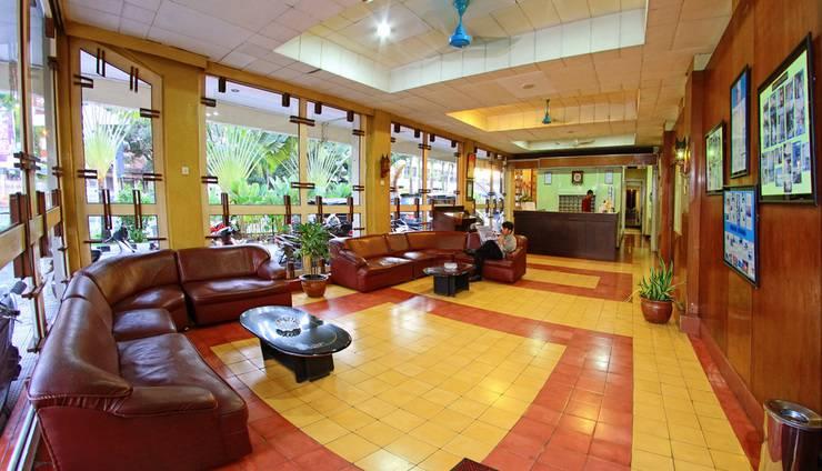 Hotel Hangtuah Padang - Area Lobi