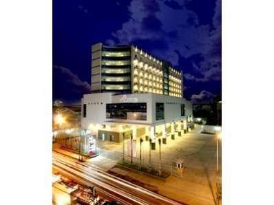 Hotel Orchardz Industri Jakarta - Tampak Luar