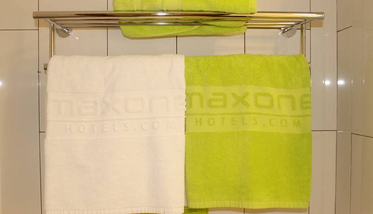 MaxOne Hotel  Seminyak - towel