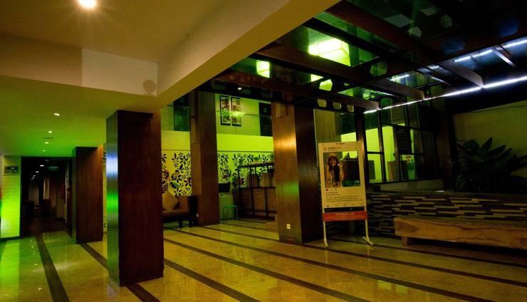 MaxOne Hotel  Seminyak - lobby