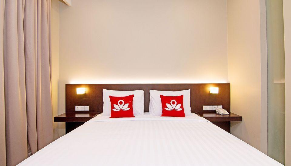 ZenRooms Jimbaran Jepun Bali - Double Room With Breakfast Regular Plan