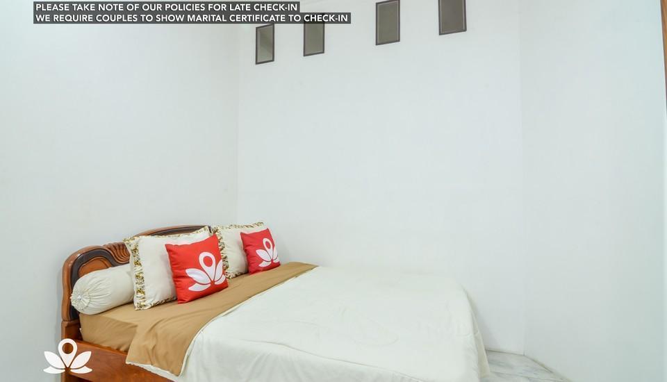 ZEN Rooms Ragunan 1 Syariah Jakarta - Deluxe Room Regular Plan