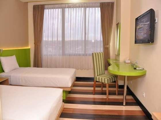 Hotel Pandanaran Semarang - Deluxe Twin Room Hot Deal