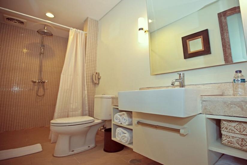Ivory Resort Seminyak - Kamar Mandi Junior Suite