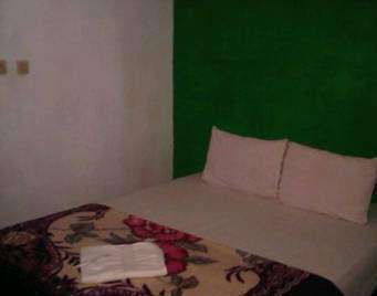 Fairuz Hotel Palangkaraya - Standar A - Kamar Single Regular Plan