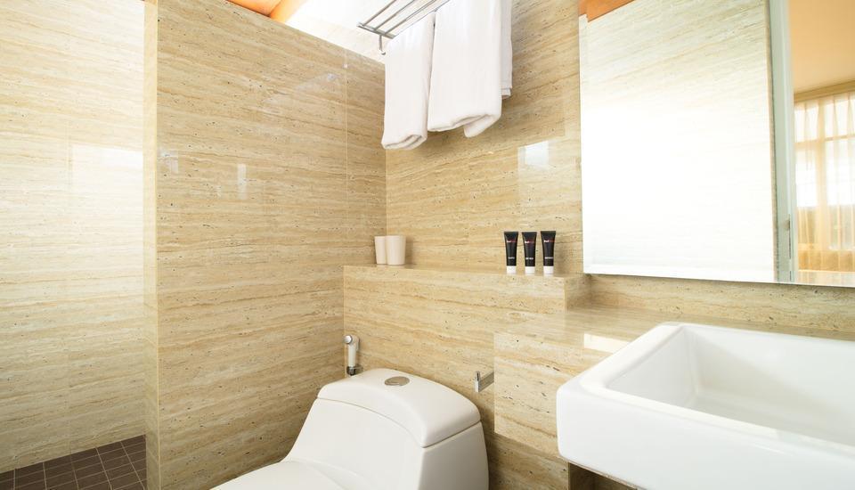 RedDoorz @Simpang Dago Bandung - Kamar mandi