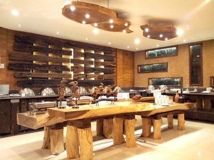 Hotel Baron Indah Solo - Pari Restoran yang bertema tradisional