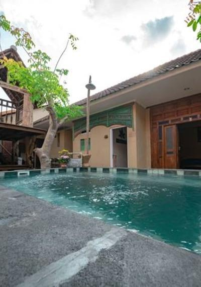 Wave & Chill House Bali - Pool