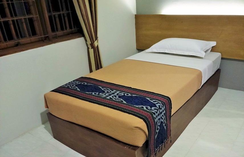 Santo Guest House Surabaya - Single Room Regular Plan