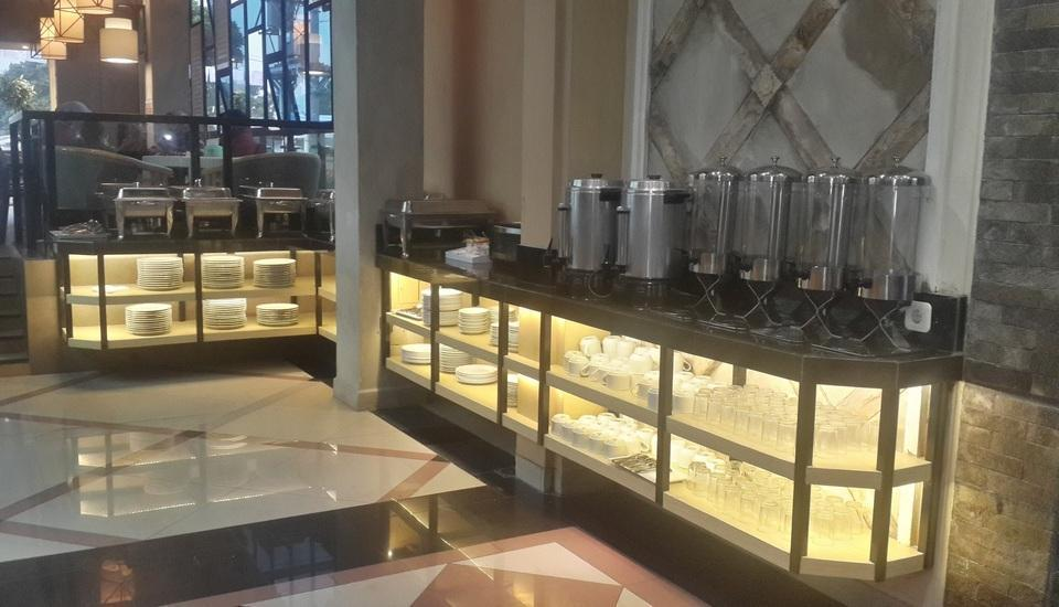 Hotel Puriwisata Baturaden - Breakfast