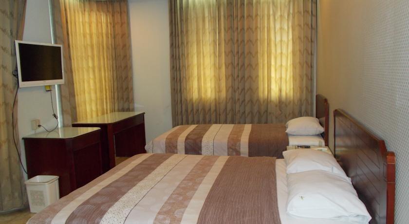 Hotel Alpine Jakarta - t