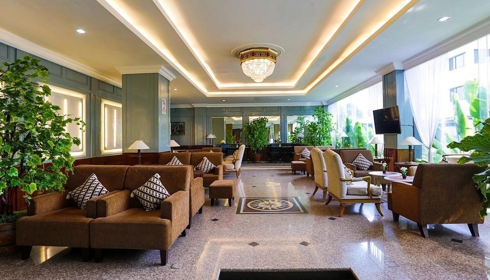 John's Pardede International Hotel Jakarta - Herna Lounge terinspirasi dari iklan Johny Walke; nikmati suasana klasik metropolis di hotel ini.
