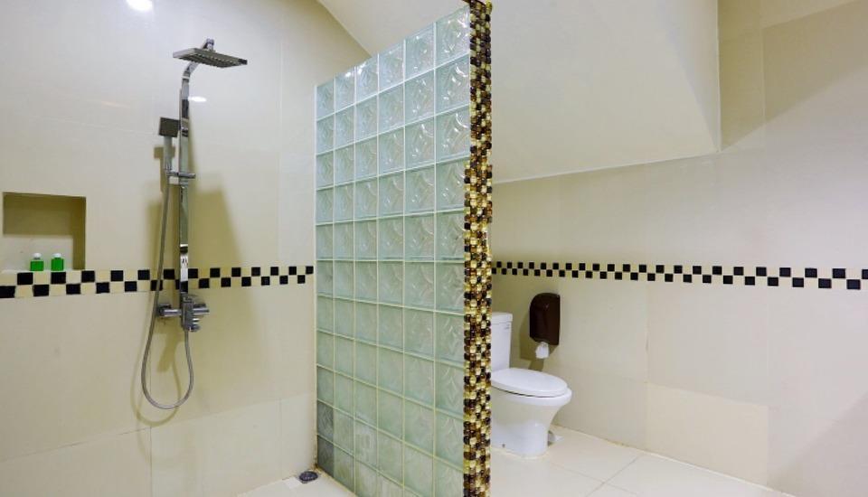 John's Pardede International Hotel Jakarta - Kamar Mandi Penthouse 1 dari 2