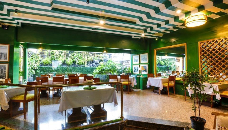 John's Pardede International Hotel Jakarta - Cafe & Resto Theresia