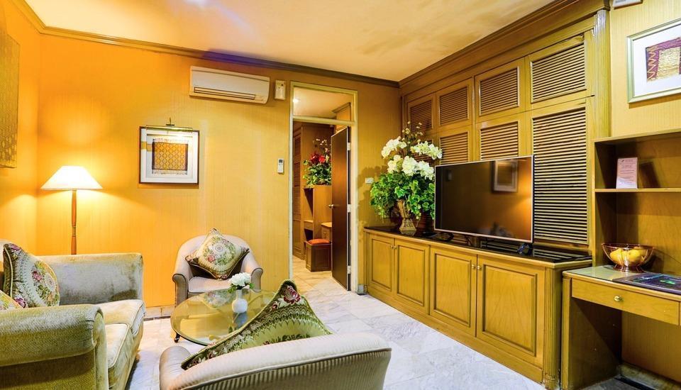 John's Pardede International Hotel Jakarta - Ruang tamu di President Suite