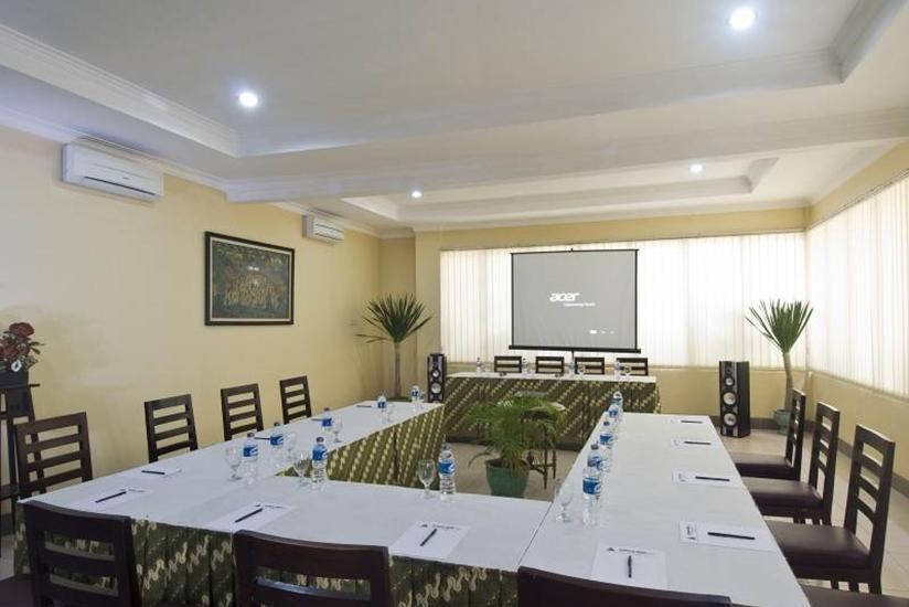 Hotel Sentana Mulia Pemalang - Ruang Rapat