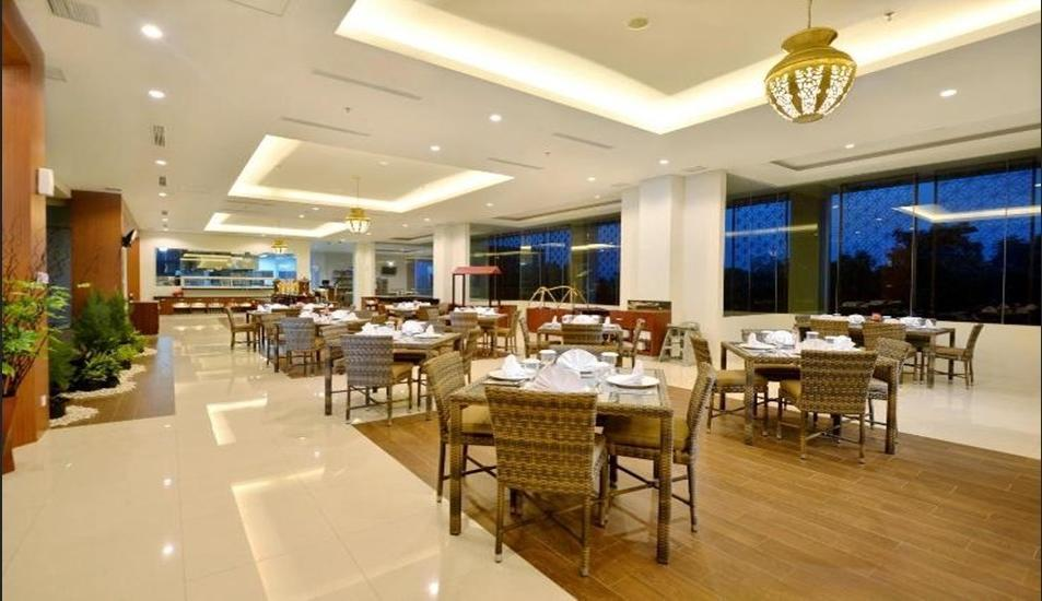 The Atrium Hotel & Resort Yogyakarta - Restaurant