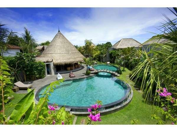 Blue Karma Hotel Bali - Pemandangan Villa