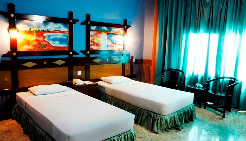 Hotel Satelit Surabaya - Superior Room -Twin Bed