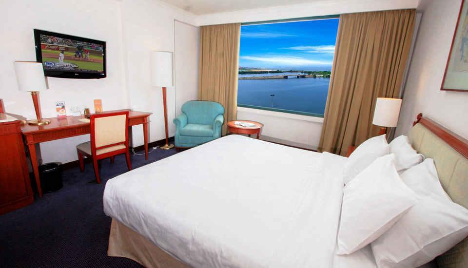 Hotel Aryaduta Makassar - Deluxe Room Only Minimum Stay 7 Malam - Disc 15% !!