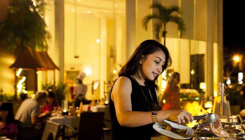 Hotel Aryaduta Makassar - Saturday Barbecue Night