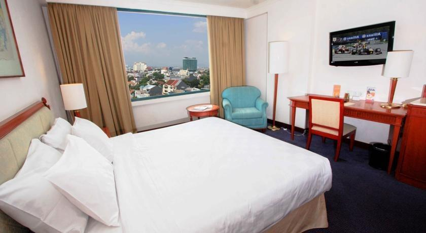 Hotel Aryaduta Makassar - Club Room City View Minimum Stay 7 Malam - Disc 15% !!