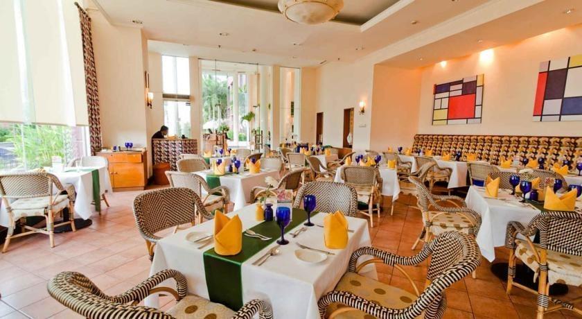 Hotel Aryaduta Makassar - Resto