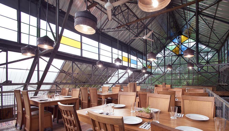 Desa Alamanis Cirebon - Restoran