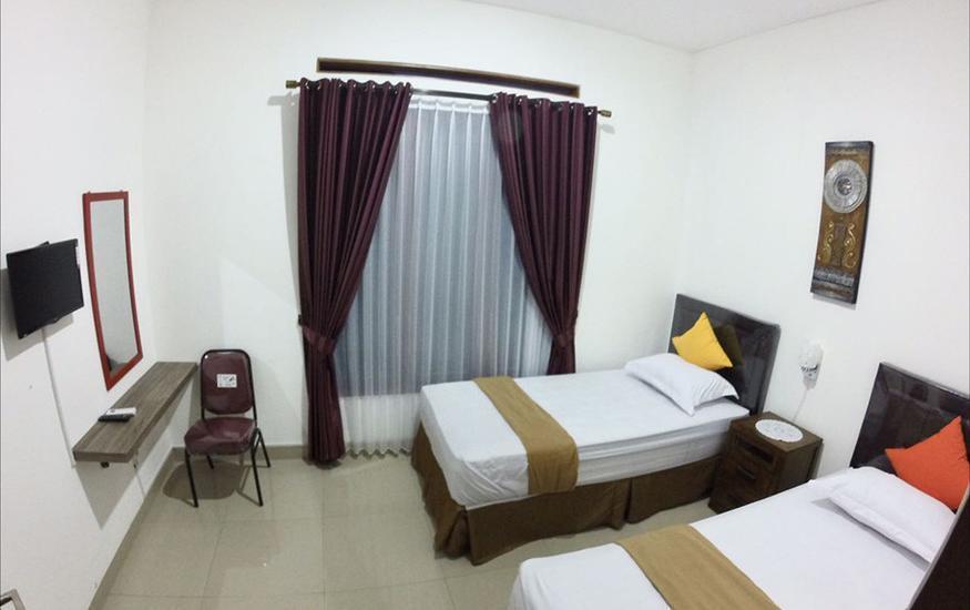 Padma Laguna Guest House Yogyakarta - Deluxe Twin Bed Regular Plan