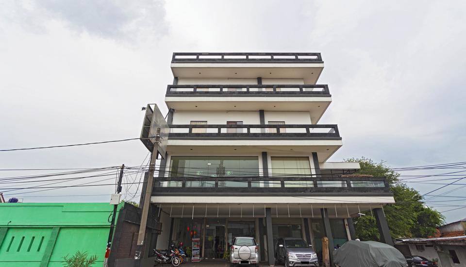 RedDoorz near Senen Station 2 Jakarta - Tampilan Luar Hotel