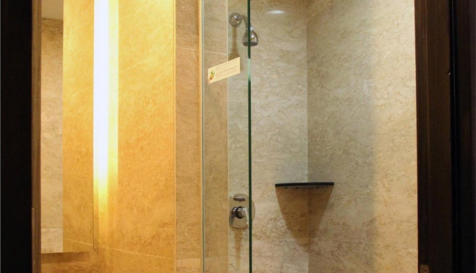 Hotel Grand Inna Muara Padang - Shower Bath