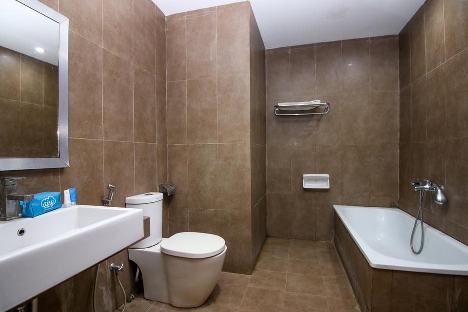 Airy Kendari Barat Diponegoro 75 Kendari - Bathroom_Executive Double