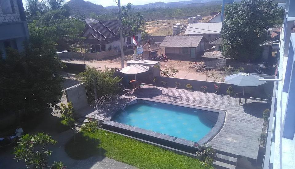 Ridho Malik Hotel Lombok - Swimming Pool
