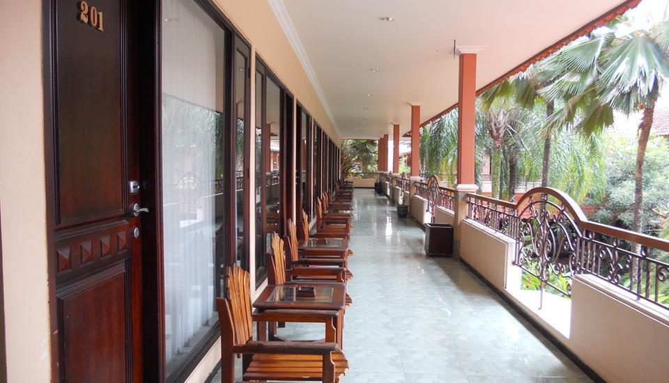 Hotel Panorama Jember - Teras