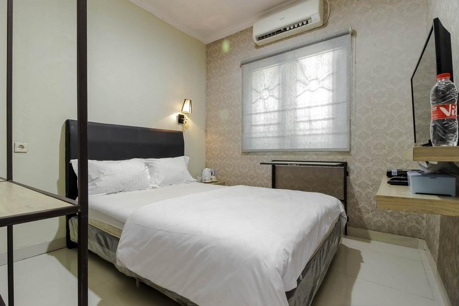 Mini Garden Bekasi - Double Room Regular Plan
