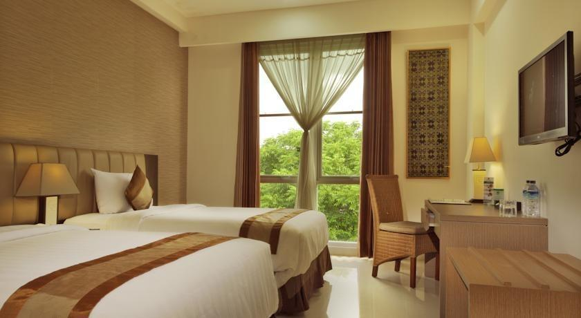 Hotel On The Rock Kupang - Superior City View Last Minute Deal 52%