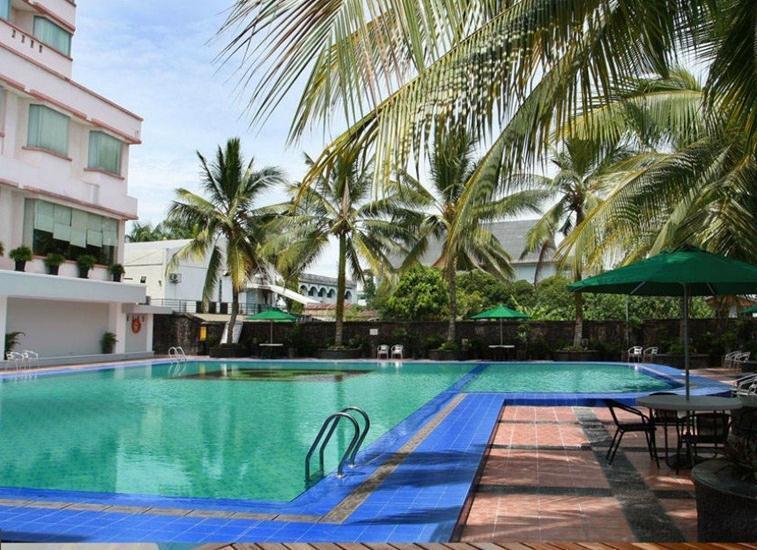 Hotel Pangeran Pekanbaru - Kolam Renang
