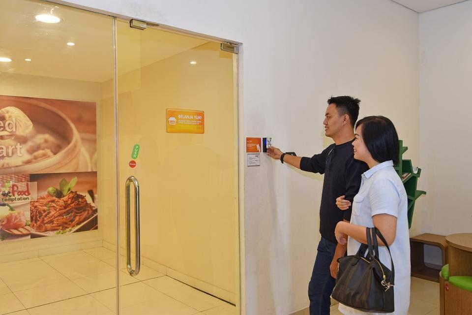 POP! Hotel Kelapa Gading - Access to Mall