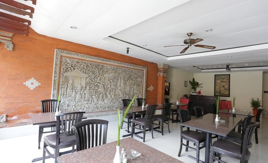 RedDoorz near Seminyak Beach Bali - Interior