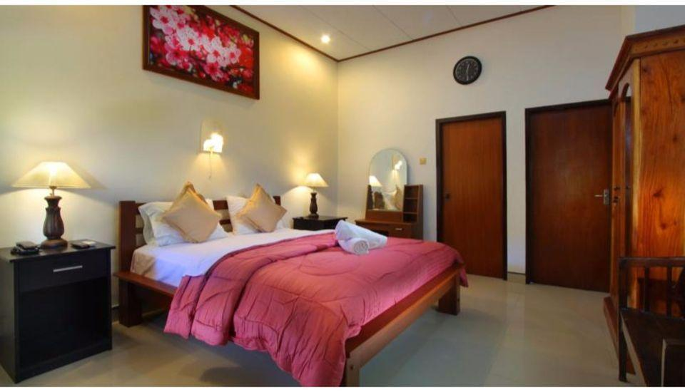 ZEN Premium Sanur Danau Tamblingan 2 Bali - Tampak tempat tidur double