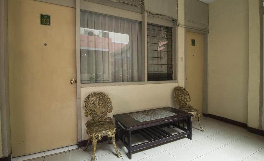 RedDoorz @Klender Jakarta - Interior