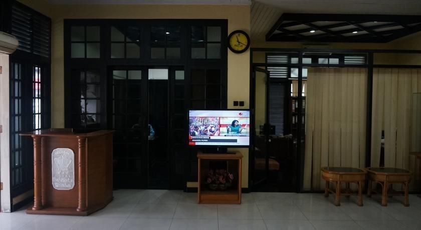 Hotel Crown Tasikmalaya - Interior