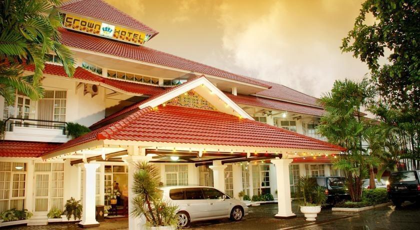 Hotel Crown Tasikmalaya - Tampilan Luar Hotel