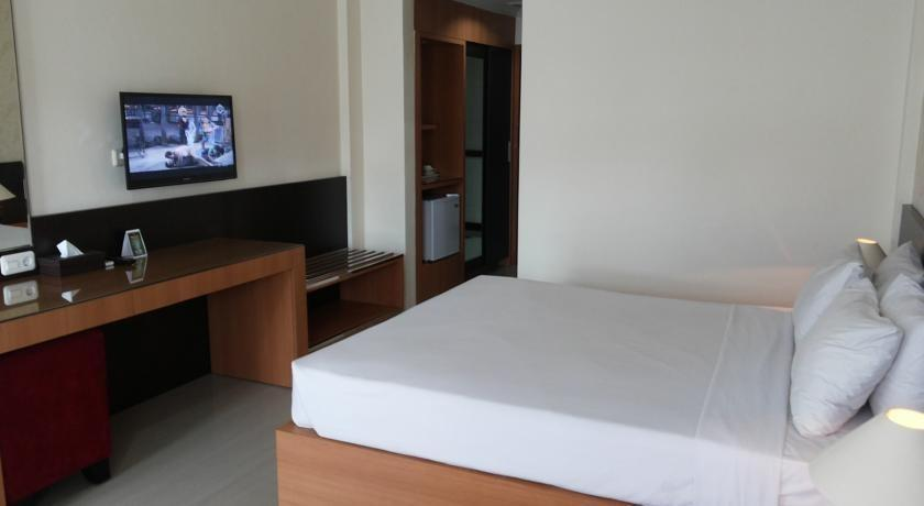 Hotel Crown Tasikmalaya - Queen Double Room RAMADHAN PEGIPEGI PROMOTION