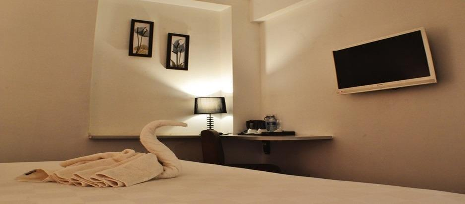 Hotel Maven Fatmawati - Classic Queen Bed Room Only Regular Plan