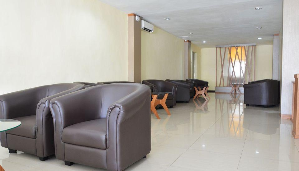 ZEN Rooms Raya Rungkut Surabaya - Lobi